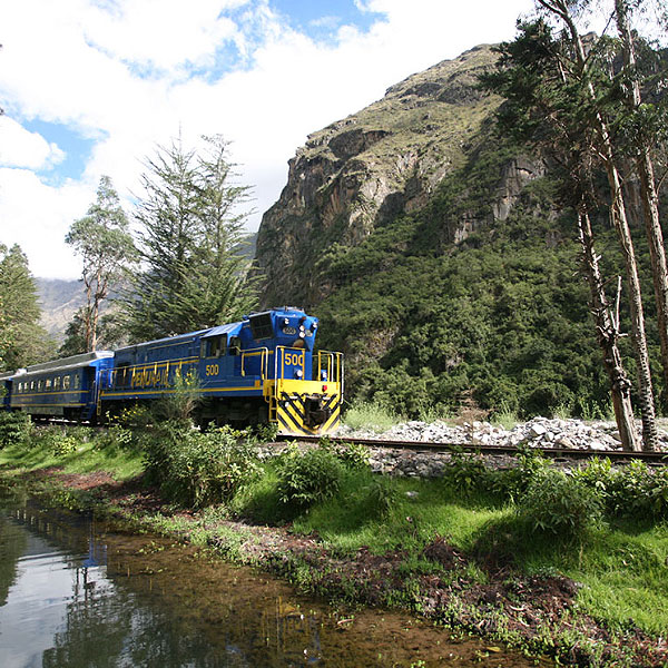 tours-machu-picchu-by-train-06